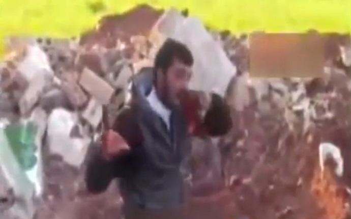 Syrian-rebel-Eat-Heart