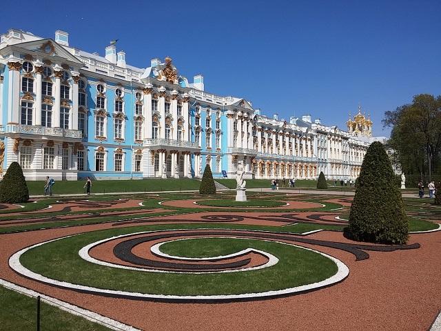 Egy másik palota
